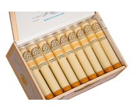 H.Upmann - Coronas Junior A/T  (Box of 25)